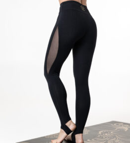 leggings with heel