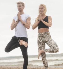 New! VACKRALIV YOGA&MEN Dressy T-shirt half arm, white