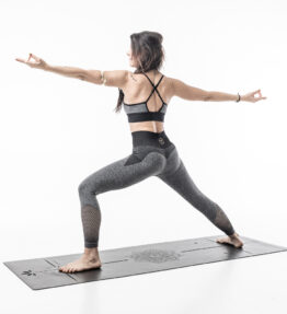 Back in Stock! VACKRALIV YOGA DRESSY SEAMLESS PERFECT FIT LACE KIT, grey