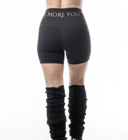 Back in Stock! VACKRALIV YOGA DRY-FIT HOT PANTS BE MORE YOU, svart