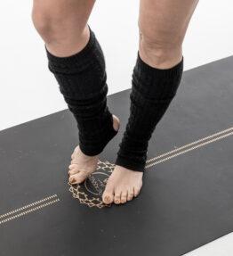 New! VACKRALIV YOGA Yoga Warm Ups Knit short, svart