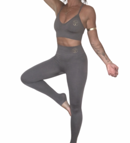 New! VACKRALIV YOGA DRESSY PERFECT FIT SEAMLESS KIT Long legs, grey