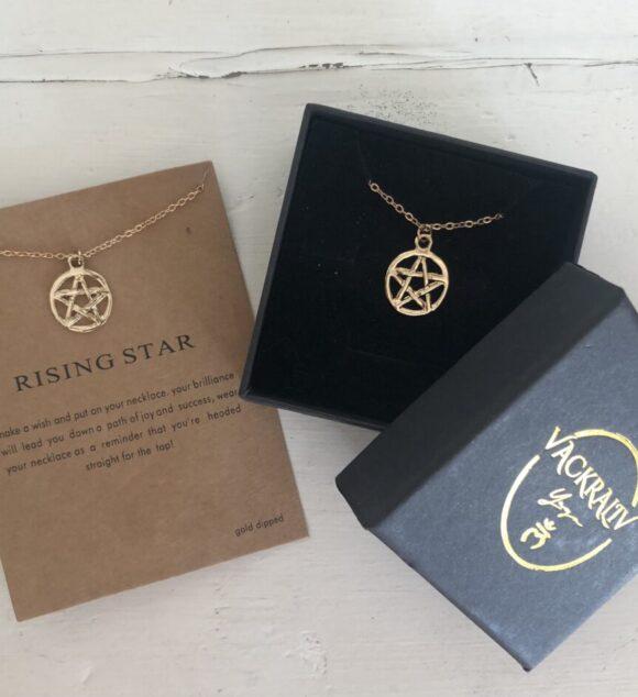 New! VACKRALIV YOGA Rising Star Necklace, gold