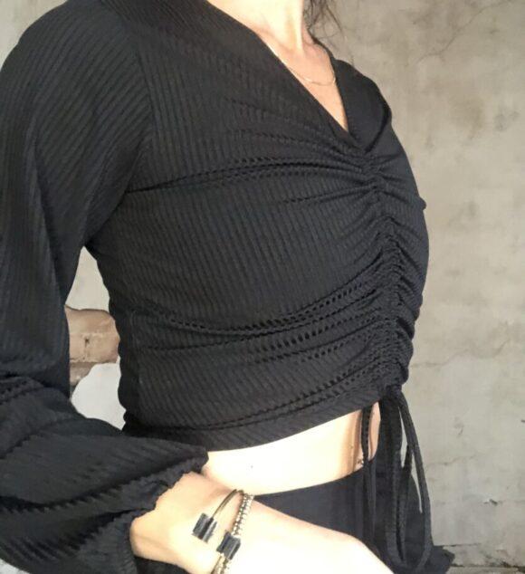 New! VACKRALIV YOGA Dressy Top Wide arms, svart
